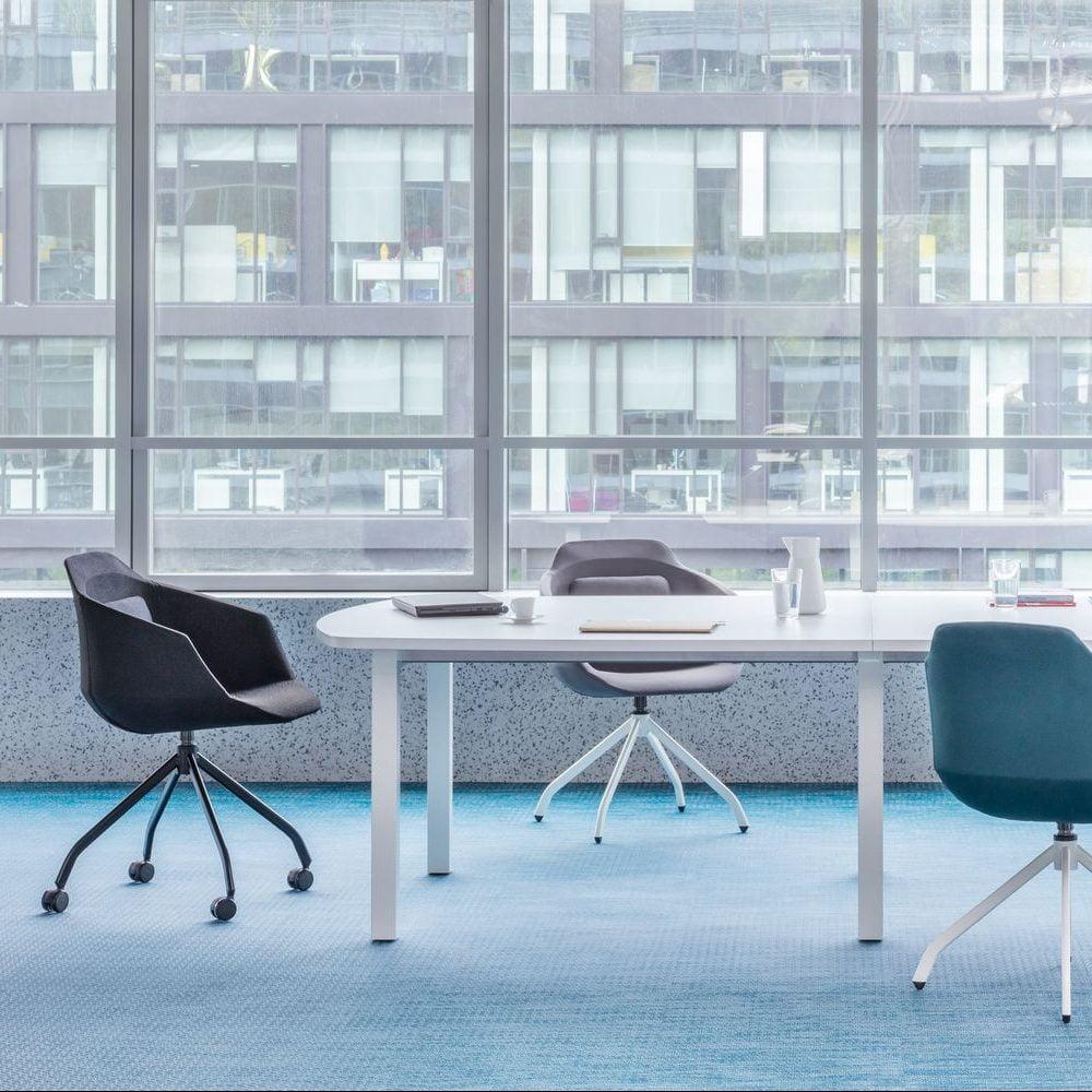 Столы для встреч и конференц-залов